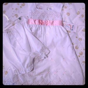 $3/10 NWT white dress size 3T